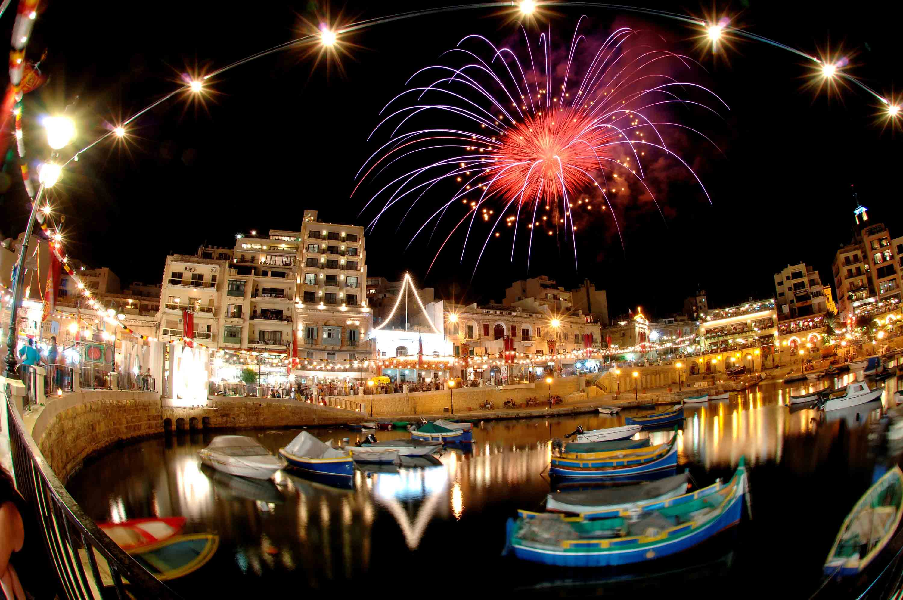summer night life malta